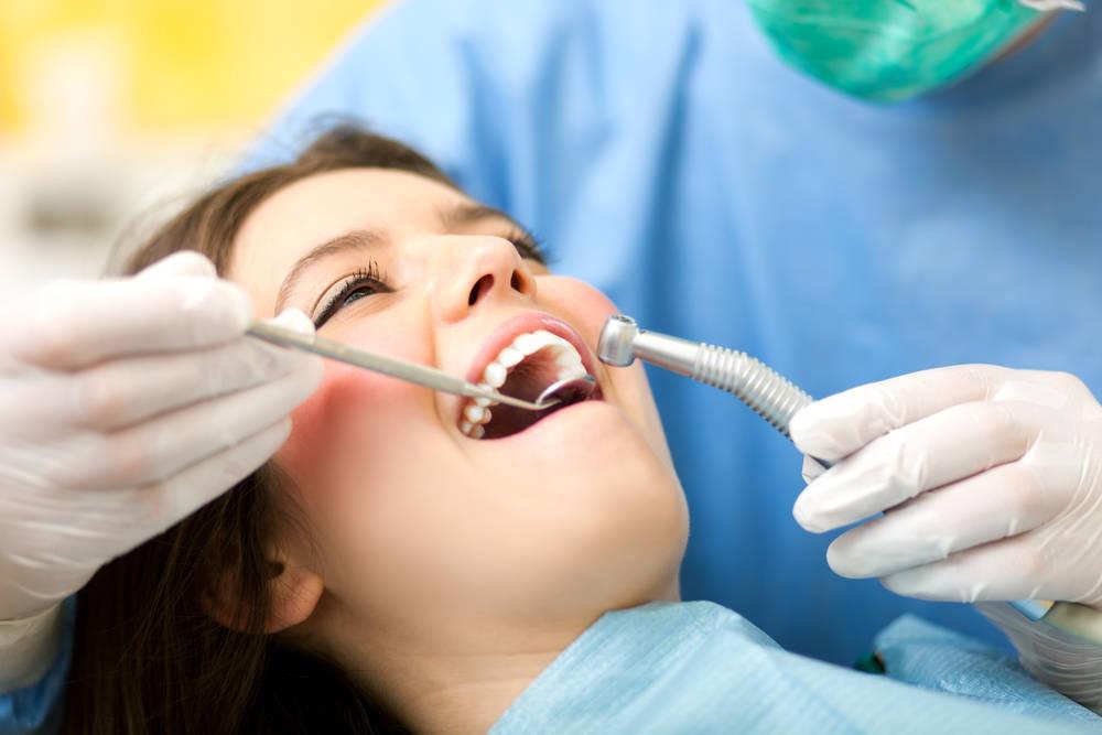 Internet, una alternativa eficaz para dar con la mejor clínica dental