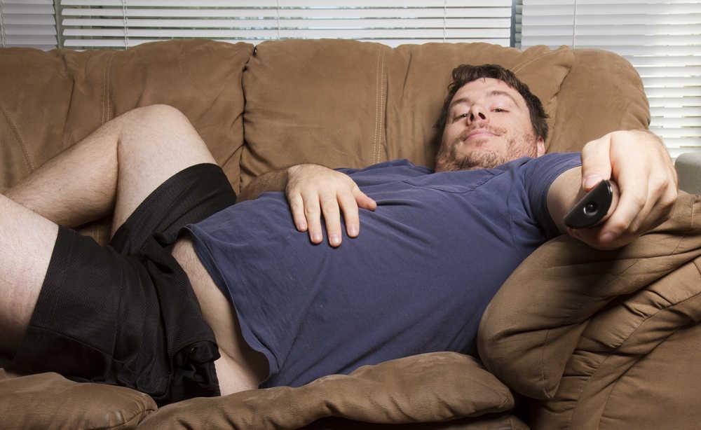 Sedentarismo, esto te puede pasar si no te levantas del sillón